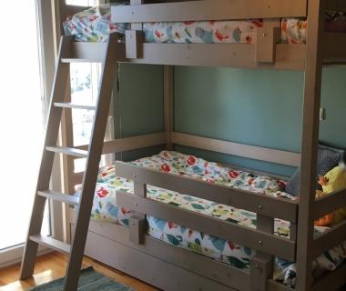 Κρεβάτι κουκέτα απο σουηδικό ξύλο βαμμένο