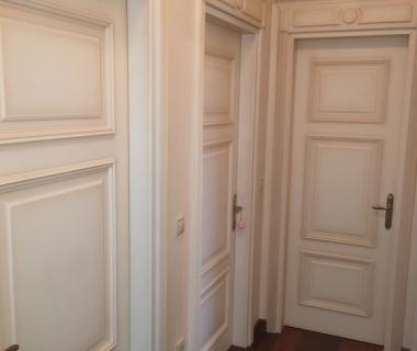 Πόρτες δωματίου λάκα πατίνα με σκαλιστά στοιχεία