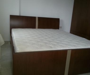 Κρεβατοκάμαρα δρυς με στοιχεία πέρλας