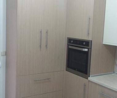 Κουζίνα βακελίτη με ακρυλικά στοιχεία